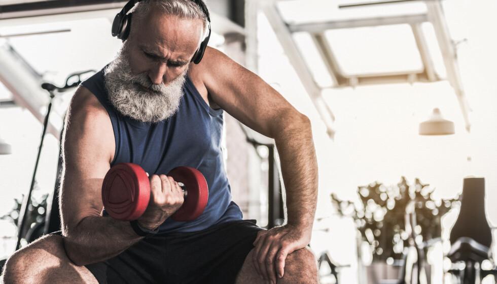 Hvis du vil beholde styrken du trenger i hverdagen, kan det være en god idé å snike inn noen ekstra næringsstoffer i maten. Foto: Scanpix/Shutterstock