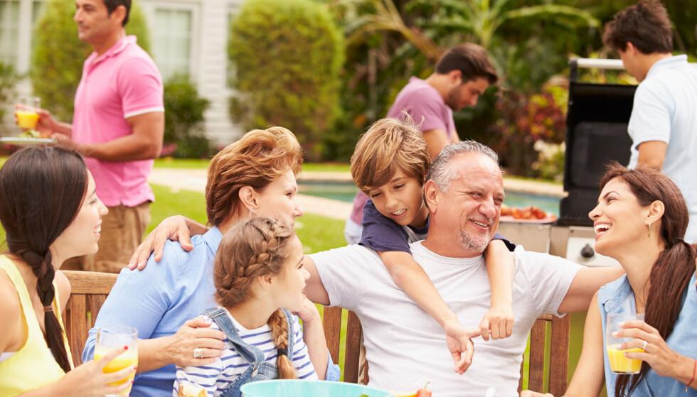FAMILIELYKKE? Familiemedlemmer, spesielt i familier med skillsmisse, opplever relasjonene forskjellig. Foto: Shutterstock/ NTB Scanpix