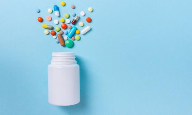ØKNING. Når du begynner å dra på åra er det ikke uvanlig å bruke 15 ulike legemidler – eller mer. Foto: Scanpix/Shutterstock