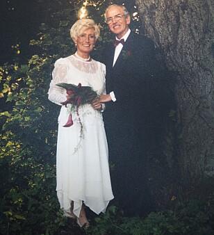 Smidd i hymens lenker: I september 1998 giftet Åge og Gerd seg, etter å ha kjent hverandre i seks måneder. – Vi har ikke angret en dag, sier de to.