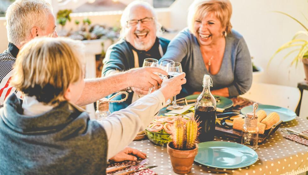 MYTE: – Generelt er det en overdreven forestilling i samfunnet om hvor ensomme eldre er, også blant eldre selv, mener forsker. Foto: Scanpix/Shutterstock