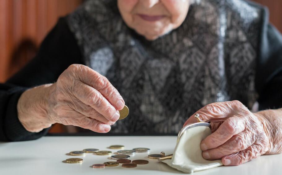 TØR IKKE SI FRA: Psykisk vold og trusler fra nær familie kan være økonomisk motivert. Foto: Shutterstock / NTB Scanpix