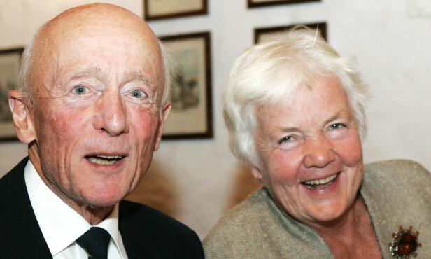 JUBILEUM: I oktober 2006 var det 25 år siden Kåre Willoch tok over som statsminister i Norge. Astrid Nøklebye Heiberg, statssekretær i sosialdepartementet i hans første regjering, og forbruker- og administrasjonsminister i hans neste regjering, var med på markeringen. Foto: NTB Scanpix