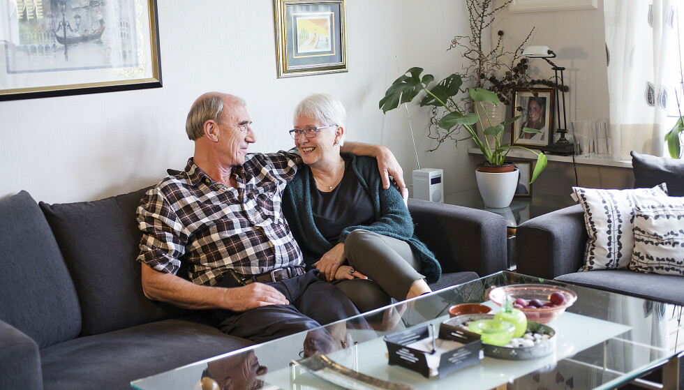 Rita og Stein opplever at andre er misunnelig på deres ordning. De er kjærester med hver sin leilighet, og bor bare sammen når de vil. Foto: Silje Katrine Robinson