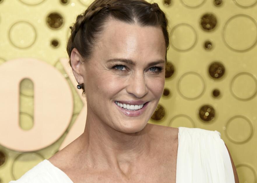 STILIKON: Den amerikanske skuespilleren Robin Wright er et praktforbilde for modne kvinner i sin beste alder, mener norsk trendforsker. Foto: Jordan Strauss / Invision / AP / NTB Scanpix