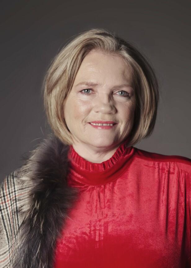 JULEVAKKER: En naturlig make-up, gjerne med røde lepper, er det fineste til Janne. Foto: Yvonne Wilhelmsen