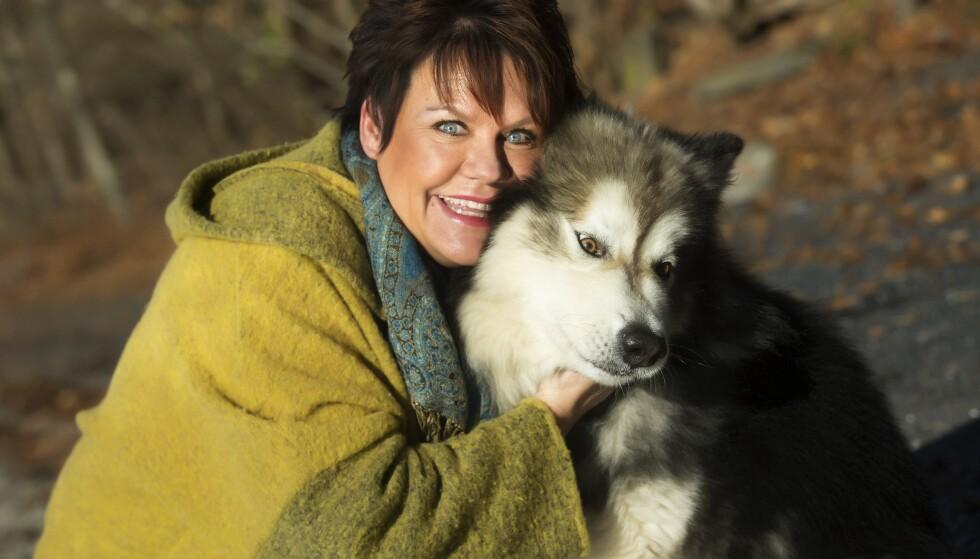 Menneskets beste venn: Alle turene med hunden Kompis er gull verdt når Wenche trenger å gå innover og slippe ytre stress og kaos.