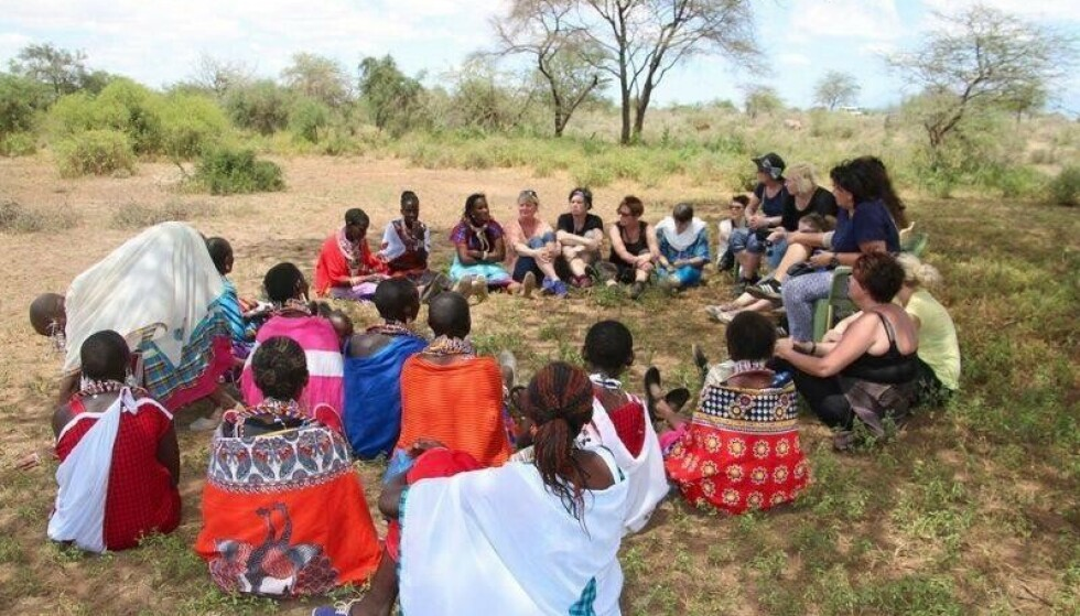 Mindfulness-retreat: Ved foten av Kilimanjaro holdt Wenche mindfulness-retreat tre år på rad. – Jeg kjente at jeg skulle være med på det, selv om det var utenfor komfortsonen min, sier Wenche.