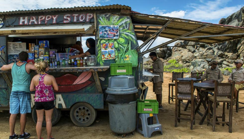 LETTVINT: Aruba har mange food trucks og andre små spisesteder som serverer enkel, men deilig mat. FOTO: Jörgen Ulvsgärd/TT