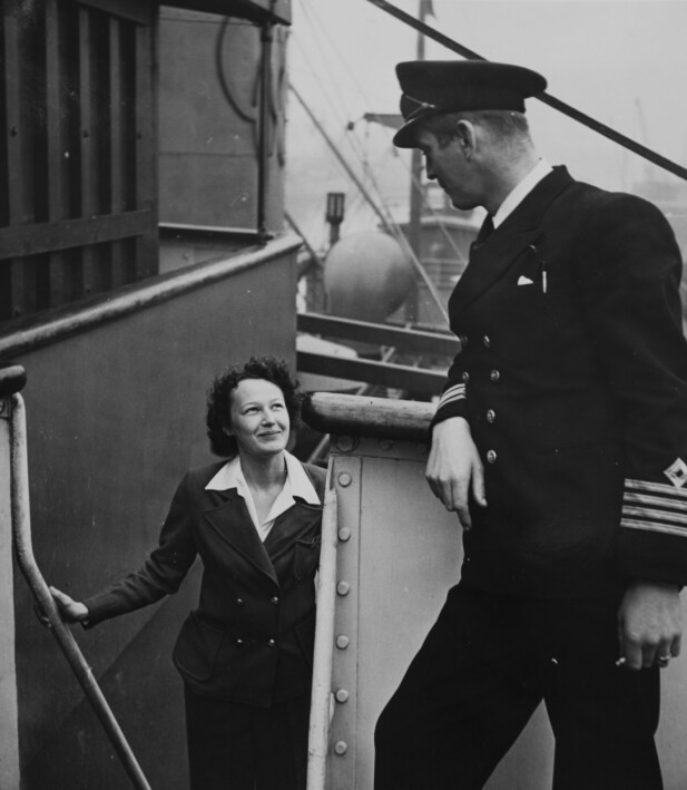 KJÆRLIGHET: Det tok ikke lang tid før gnisten og kapteinen forelsket seg. I mange år seilte de sammen.