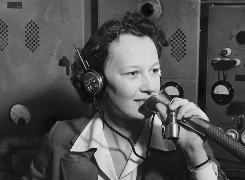 OPPDATERT: Fern Sunde visste at hennes jobb var å følge ekstra nøye med. Hun hadde ansvaret for å fange opp radiomeldinger og rapportere faresignaler. Foto: Privat