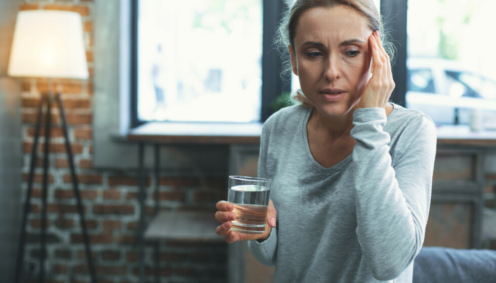 FÅ HJELP: Overgangsalderen kan være en veldig vanskelig fase. Trening, kosthold og riktige medisiner kan gjøre livet bedre. Foto: Shutterstock/ NTB Scanpix