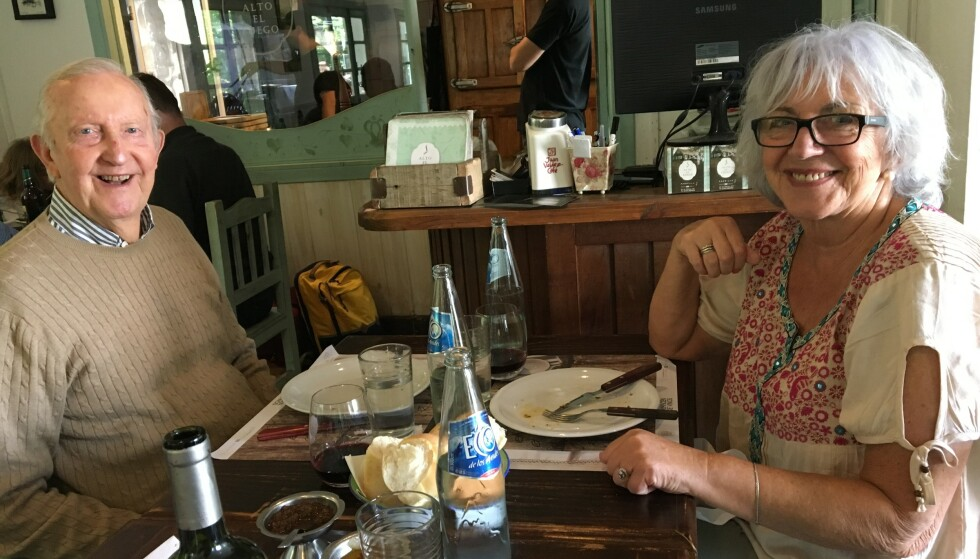 <strong>ET DEILIG LIV:</strong> Elsa Volkmer og kjæresten Alf Kirksæther snakket hele natta første gang de traff hverandre. Store deler av året nyter de livet i den argentinske byen Bariloche. Foto: Privat