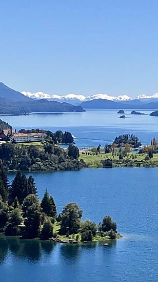 <strong>SLÅENDE NATUR:</strong> Bariloche ved foten av Andesfjellene har mye vakker natur. Foto: Privat