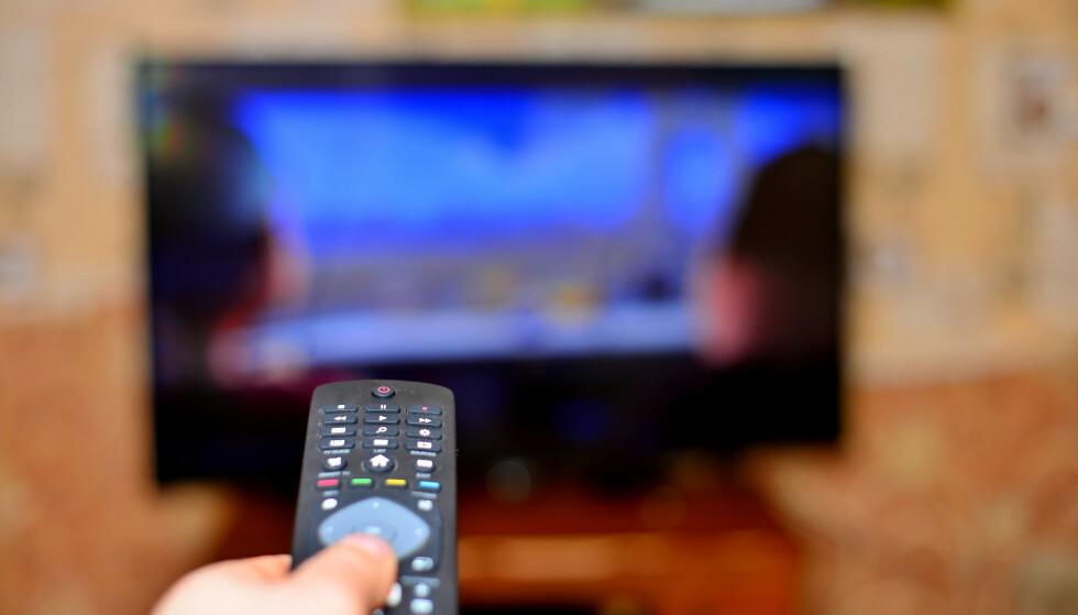 Denne guiden viser deg hvordan du kan bruke flatskjermen du allerede har til å vise nett-TV-innhold fra Netflix, HBO, NRK, TV2 Sumo eller Youtube. Foto: Shutterstock/NTB Scanpix