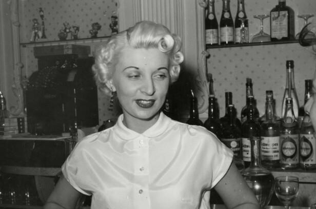 Ruth Ellis fikk jobb som nattklubbvertinne etter å ha vært nakenmodell. Foto: Historia/REX/NTB Scanpix