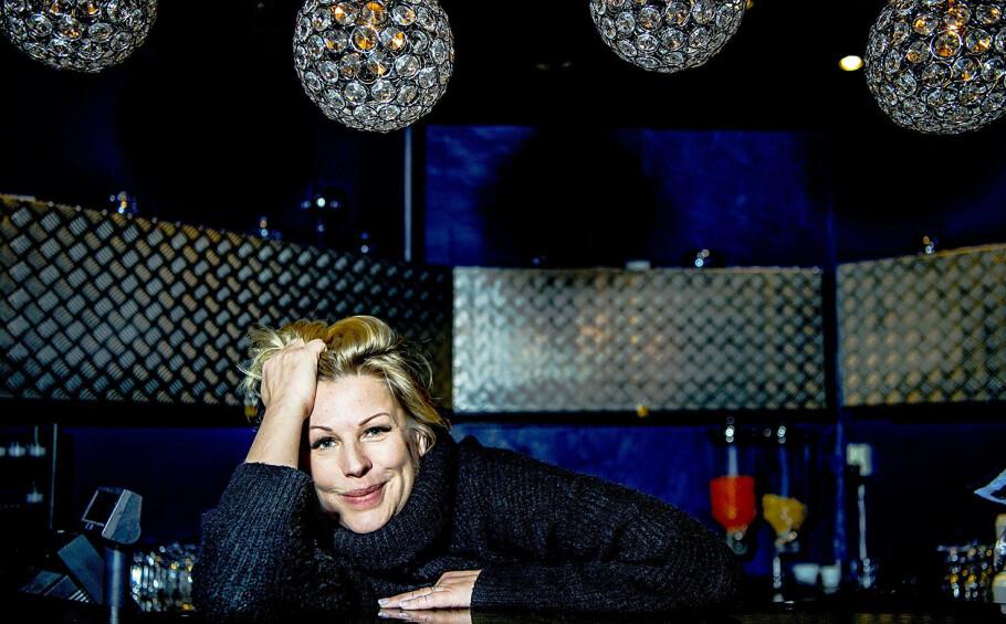 USYNLIG SYKDOM: Anne-Kat. Hærland fortalte for noen år siden at hun hadde den sjeldne øyesykdommen retinitis pigmentosa (RP). Her er hun fotografert på Latter i 2018. Foto: Thomas Rasmus Skaug/Dagbladet