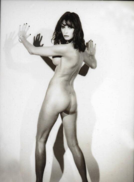FØR TRUMP: Modellbilde tatt av Melania Trump i New York i 1995 tre år før hun traff Donald Trump. Bildet ble publisert i mannebladet Max Magazine i januar 1996. Bildet ble tatt av den franske motefotografen Jarl Ale de Basseville. Foto: Splash News NTB Scanpix
