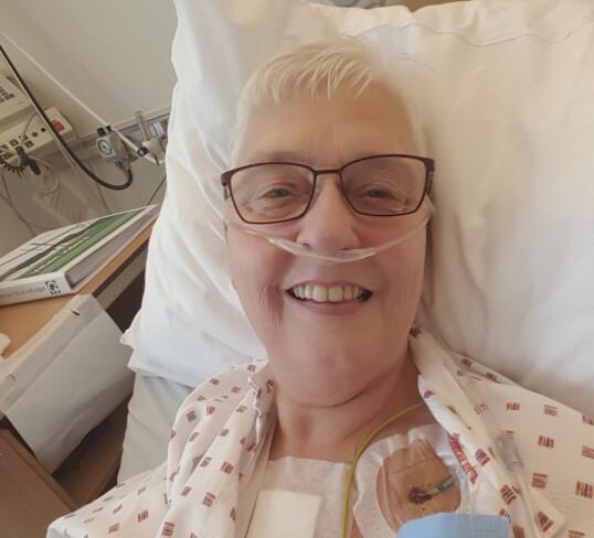 Allerede dagen etter operasjonen var Ragna i bedre form enn på mange år. Hun glemmer aldri følelsen av å kunne trekke pusten ordentlig igjen for første gang på mange år. Foto: Privat