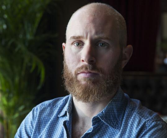 Magnus Helgerud er journalist og idéhistoriker med reisens idé som spesialfelt, og har skrevet boka Knytta til hytta. Foto: Anders Helgerud
