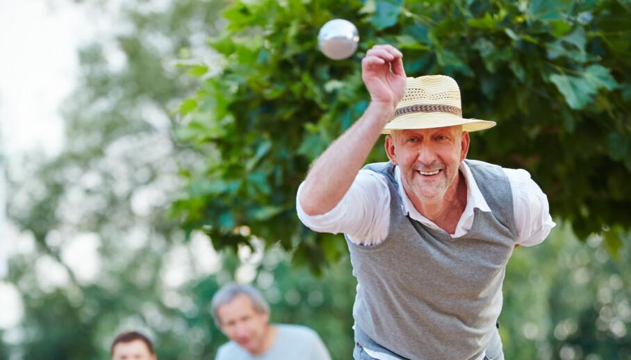 Eldre menn er mer tilfreds med egen kropp og utseende enn kvinner på samme alder - og alle andre aldersgrupper av begge kjønn. De trener også mer, men ikke for å se bedre ut. Illustrasjonsfoto: Shutterstock/NTB Scanpix
