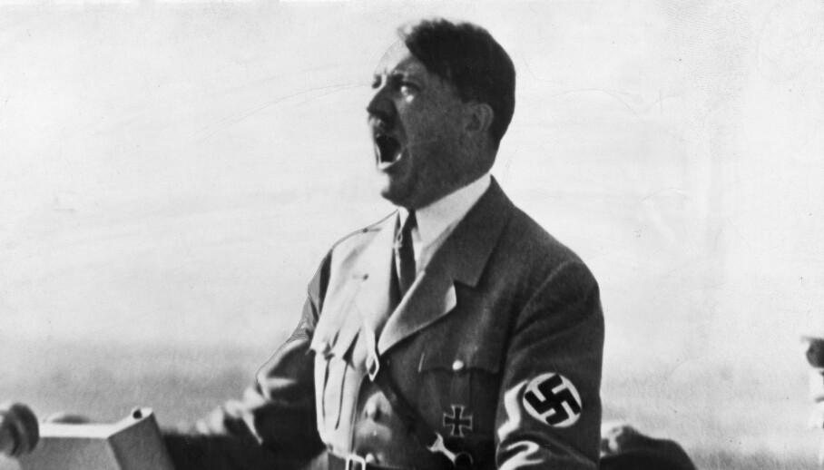 <strong>HØY UNDER TORDENTALENE:</strong> Adolf Hitler var full av blant annet det narkotiske stoffet metamfetamin under sine mange tordentaler. Her er han fotografert i 1940. Foto: REX NTB Scanpix