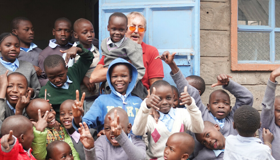 Knut har fortsatt Karolines arbeid med stiftelsen SOMTO, som finansierer skolegang og jobber for trygge oppvekstvilkår for barn i blant annet Nairobi. Foto: Ida Titlestad Dahlback / NRK