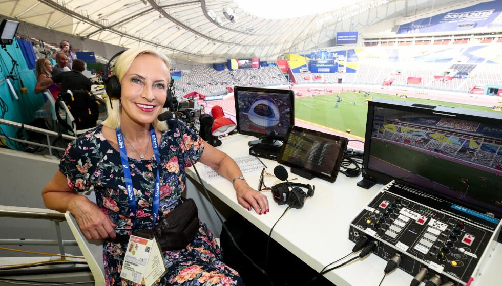 HEDRET: NRK-journalist og kommentator Karen-Marie Ellefsen i NRK under VM i friidrett 2019 i Doha i Qatar i Khalifa International Stadium. Foto: Lise Åserud / NTB scanpix