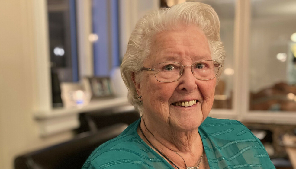 BRA FOR HELSA: Inger Milch (90) forteller at hun ble gladere av å ha sex og føle at han hun var glad i ville ha henne. - Det er det samme som når man er ung, sier hun. Foto: Privat