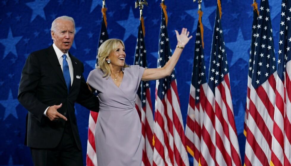 Jill Biden har vært en synlig presidentkone under hele valgkampen. I USA er det en jobb i seg selv å være First Lady. Foto: Olivier Douliery/AFP/NTB