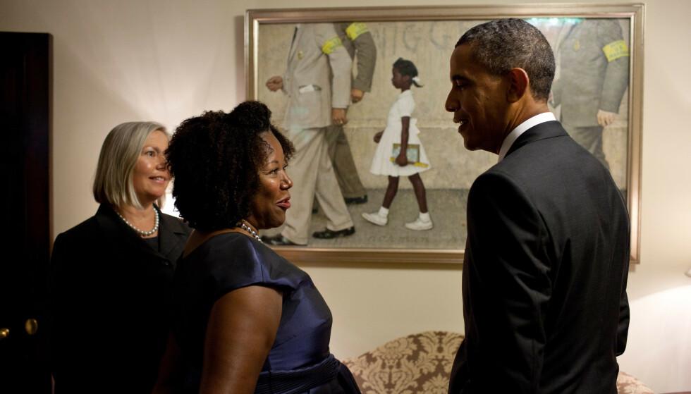 IKON: Ruby Bridges er i dag 65 år. I 2011 ble det ikoniske maleriet av henne, malt av Norman Rockwell, utlånt til Det hvite hus. Foto: Det hvite hus NTB