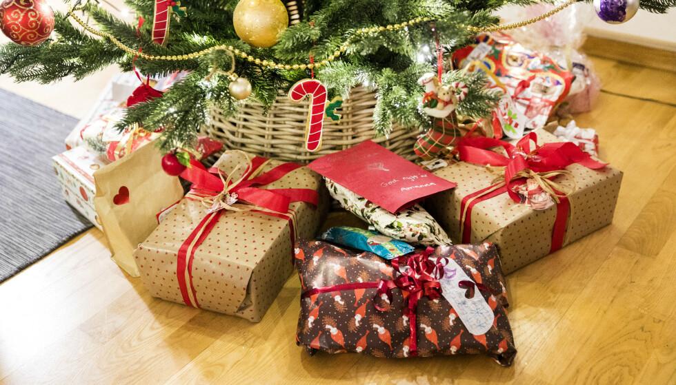 ØKT NETTHANDEL: I år kan det være en god idé å handle julegaver på nett og bruke mindre tid på kjøpesenteret. Foto: Gorm Kallestad NTB