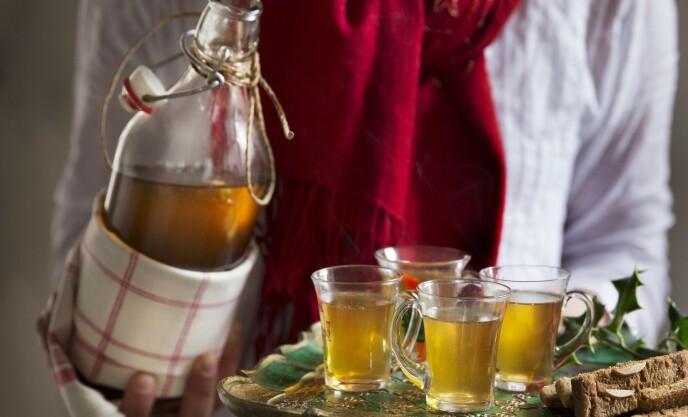 Lys gløgg med honning og akevitt