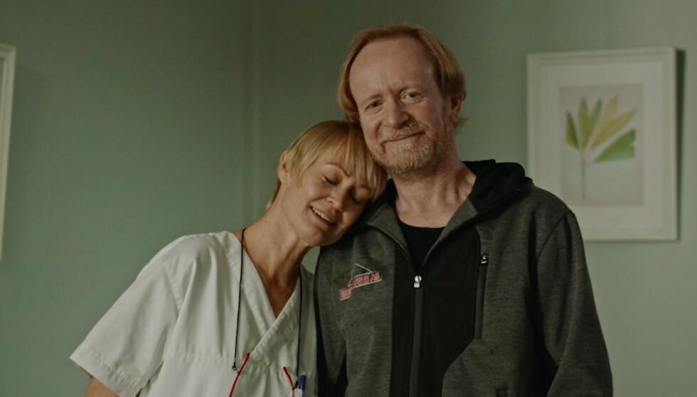 I TOSOMHET: Merethe (Ingunn Beate Strige Øyen) og Sigurd (Egil Bjørøen) må jobbe med å finne tilbake til hverandre etter at datteren har flyttet ut. Foto: NRK