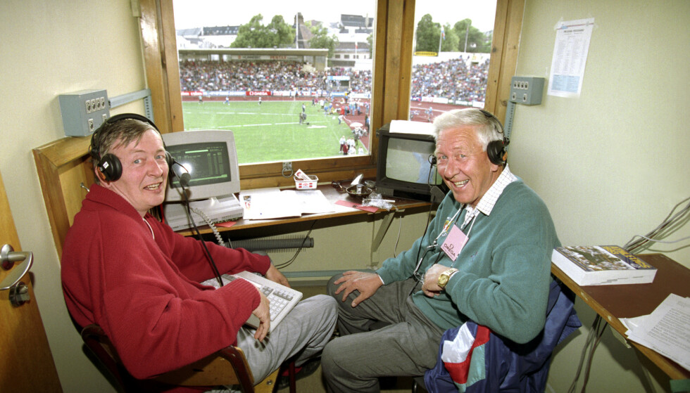 REISTE OVER HELE VERDEN: NRK- kommentator Ole Jacob Jorsett sammen med kollega Arne Porsum i Oslo i 1993. Foto: Erik Johansen NTB