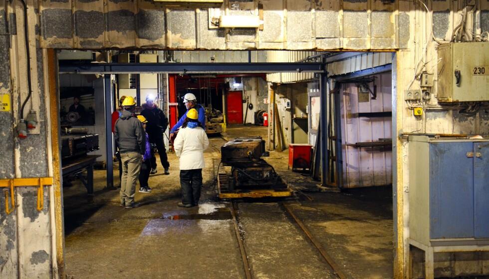 GRUVE: Utvinning av kull var den store industrien på Svalbard for bare få år siden. Nå er gruvedriften med noen få unntak historie. Gruve 3 i Longyearbyen er blitt en turistattraksjon.