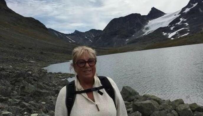 FJELLTUR: - Jo eldre jeg blir, jo mer savner jeg Norge, sier Torill. Her fra fjelltur. Foto: Privat