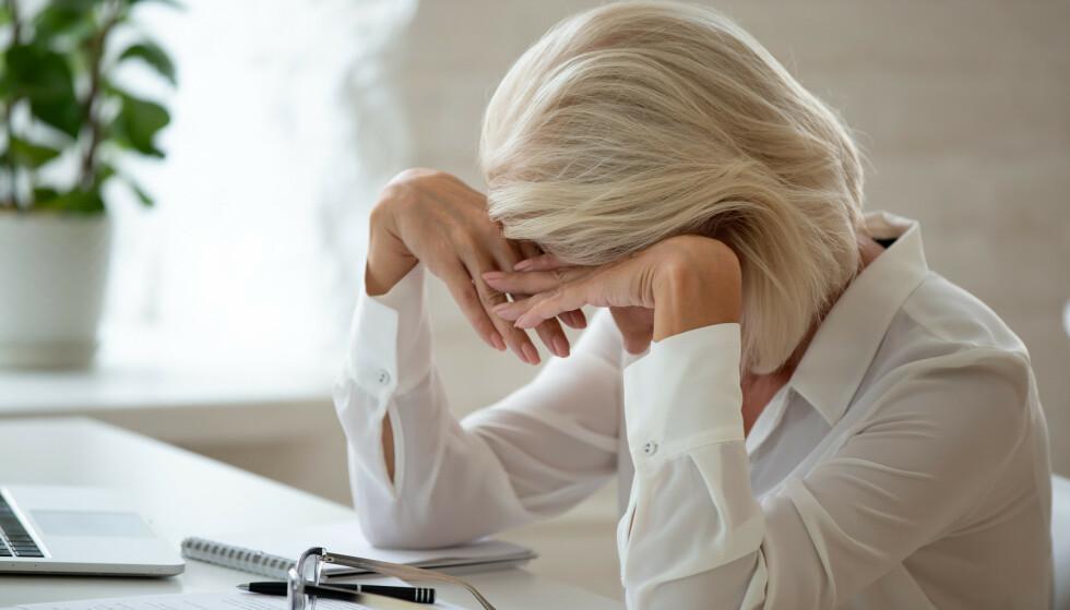 OVERVELDET: Oftest er det kvinner som er redde for å si nei av frykt for å bli oppfattet som uhøflig, ifølge psykologen. Foto: Shutterstock/NTB