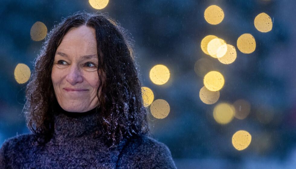 VAKSINESMIL: Når vi har sett Camilla Stoltenberg smile det siste året, har det gjerne vært som her: I forbindelse med gode vaksinenyheter. Foto: Terje Pedersen / NTB