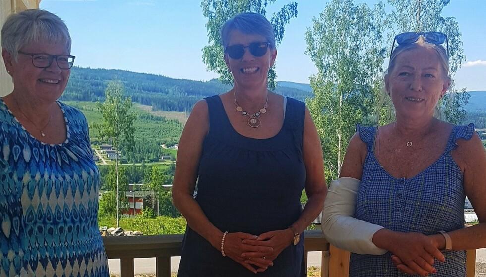 Wenche Bråthen Grundt, Solveig Hauger og Torild Bråten har alle opplevd å få en alvorlig og livslang diagnose i voksen alder. Deres råd til andre, er å komme seg opp om morgenen - og være raus i møte med andre. FOTO: Birgit Hauger
