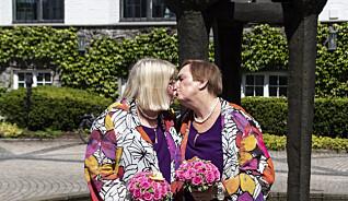 «Det er ikke hver dag en dame på 55 år smugler en 64 år gammel dame inn på hotellrommet sitt!»