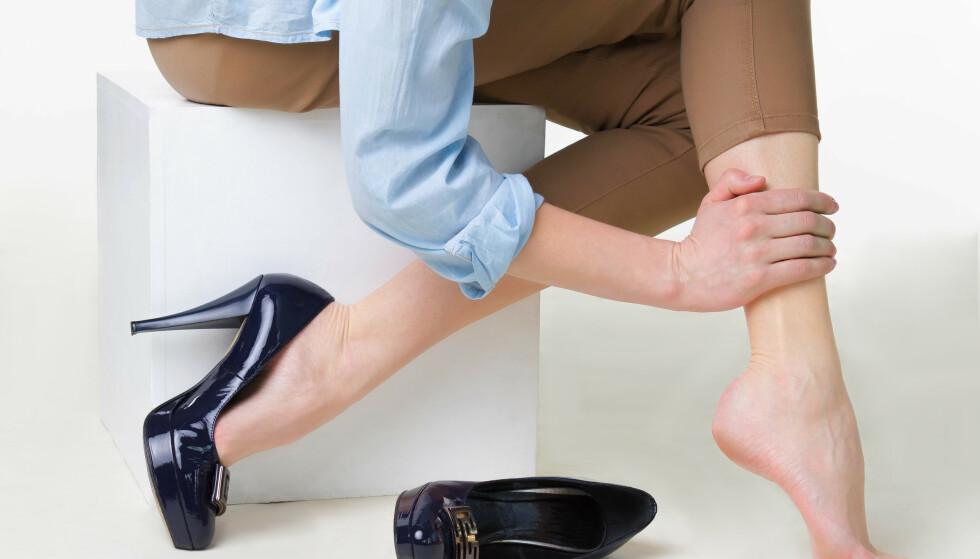 MANGE RAMMES: Mellom 20 og 30 prosent av den voksne befolkningen rammes av åreknuter. Foto: NTB Shutterstock