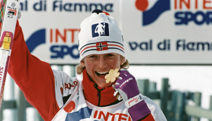 Nådde målet: «Jeg hadde så sinnssykt lyst til å bli verdensmester!», var noe av det første Trude sa etter seieren på 5 kilometer i VM i Val di Fiemme i 1991. Målet hadde hun satt seg to år tidligere. Foto: Olav Olsen/NTB