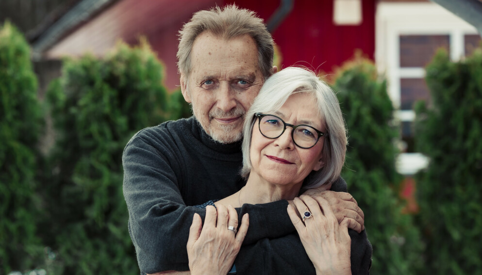 PSYKOLOGPAR: Britt Erikssen og Helge Poulsen er gift og driver en parterapiklinikk i Asker. - Mange par kjemper og kjemper, men de kjemper på feil måte, sier Britt. Foto: Astrid Waller