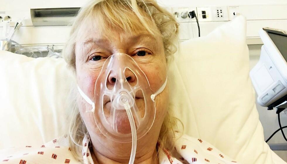 OKSYGENMASKE: To ganger var Marianne så dårlig at legene vurderte å koble henne til respirator. Men etter nesten en måned med pustehjelp var hun så frisk at hun fikk reise hjem. Foto: Privat