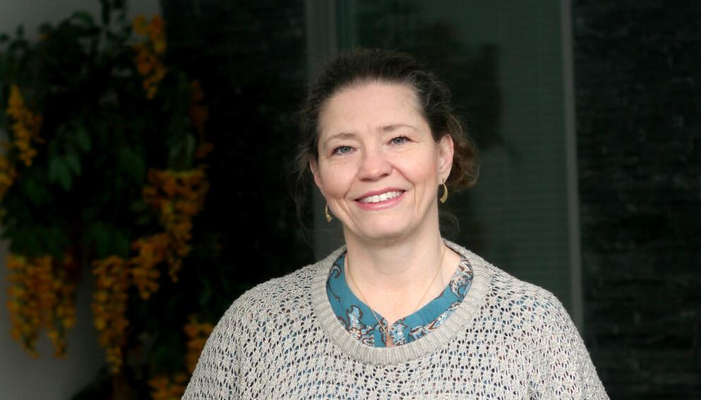 NYSGJERRIG: Susan Tuvebäck har alltid vært interessert i ny teknologi. Da det ble mer utbredt å gjøre private DNA-tester, bestemte hun seg for å prøve. Kanskje var det noen ukjente grener på familietreet? FOTO: Susanne Stamming