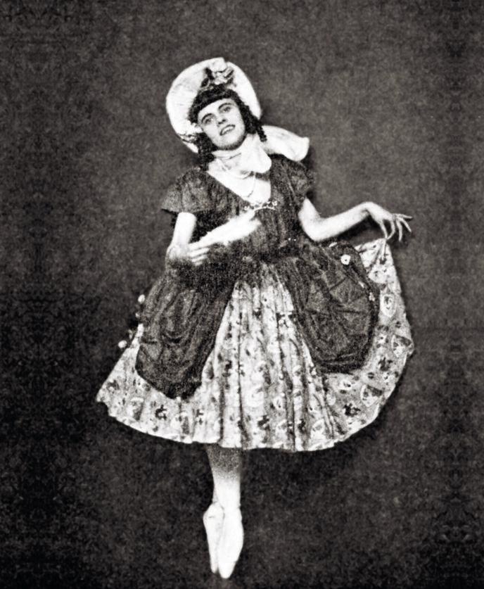 PÅ TÅ HEV: I et intervju med en Oslo-avis fortalte Astrid Christensen at hun skulle spille Anitra i filmatiseringen av Peer Gynt i 1934. Selv om hun kanskje ikke hadde helt kontakt med virkeligheten, tror forfatter Even Saugstad at hun kan ha vært en habil danser. Fotograf ukjent