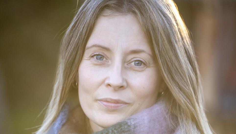 UVERDIGE FORHOLD: - Altfor mange dør alene på sykehjem, sier tidligere sykepleier Vigdis J. Reisæter. I boka «Jeg skal hjelpe deg» beskriver hun uverdige forhold på sykehjem i Norge. Foto: Privat