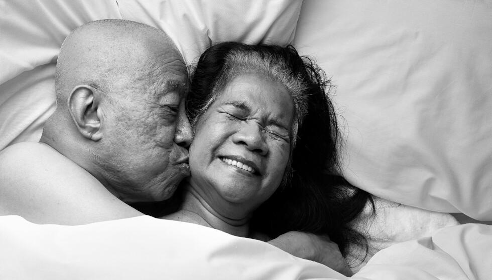 BILLIE OG CORA: - Sex har ingenting å gjøre med alder. Jeg tror noen mennesker slutter å snakke om det, men for meg er det viktig å snakke om det og ha det gøy, sier Cora. Foto: Ian Rankin /Relate