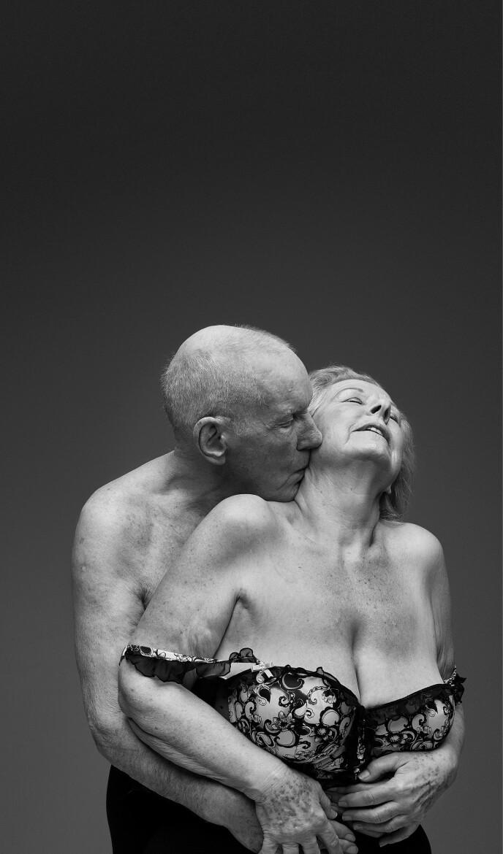 DAPHNE OG ARTHUR: - Jeg vet at unge tror at eldre mennesker ikke har sex, men jeg tror ikke at et sexliv handler om alder, sier Arthur. Foto: Ian Rankin / Relate